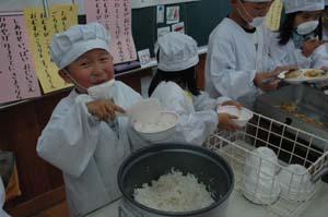 小川小学校の給食